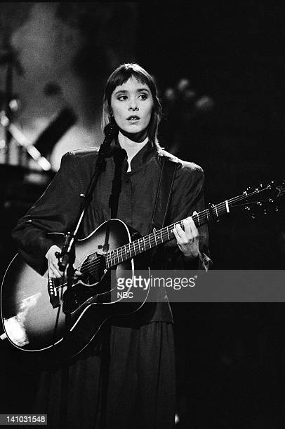 Episode 18 -- Pictured: Suzanne Vega during the musical performance of 'Luka' on May 9, 1987 -- Photo by: Alan Singer/NBC/NBCU Photo Bank