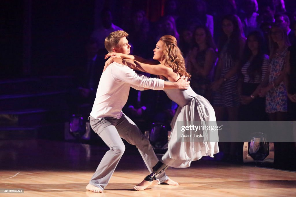 ABC's 'Dancing With the Stars' - Season 18 - Week Three : News Photo