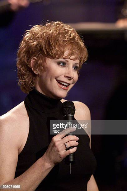 Musical guest Reba McEntire performs on May 4 2000