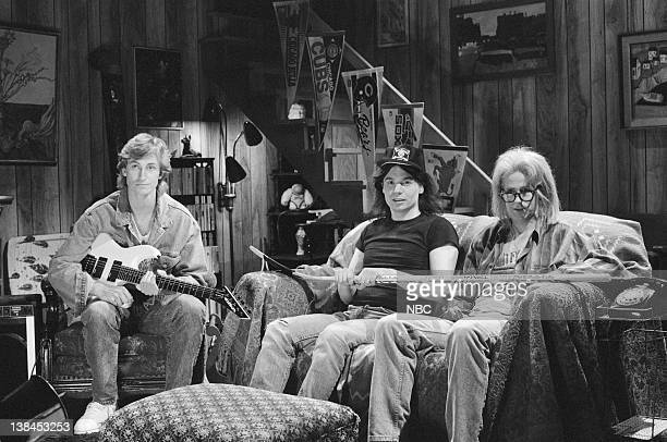 LIVE Episode 19 Aired Pictured Wayne Gretzky Mike Myers as Wayne Campbell Dana Carvey as Garth Algar during 'Wayne's World' skit on May 13 1989
