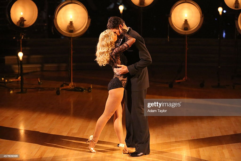 "ABC's ""Dancing With the Stars"" - Season 19 - Week Six"