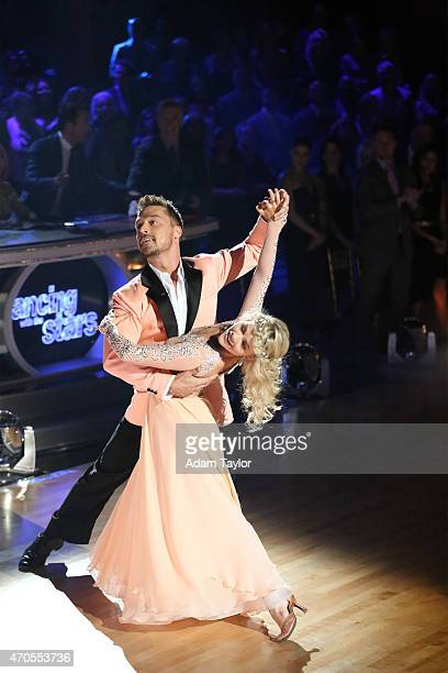 STARS 'Episode 2006' 'Dancing with the Stars' brought the beach to the ballroom on 'Spring Break Night' with allnew celebrity performances MONDAY...
