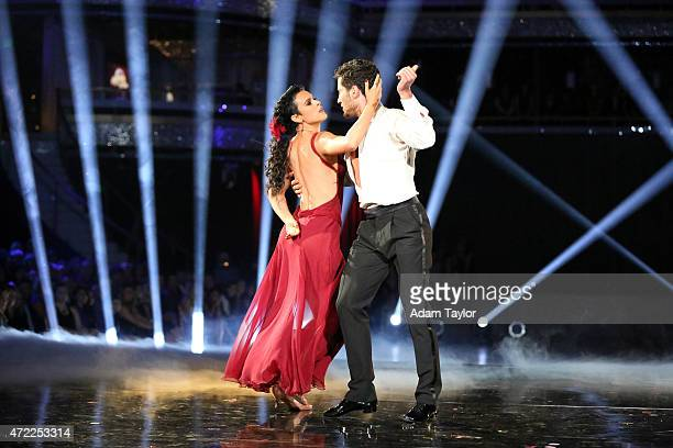 STARS Episode 2008 The six remaining couples on Dancing with the Stars danced to a song and dance style voted on by viewers for AMERICA'S CHOICE...