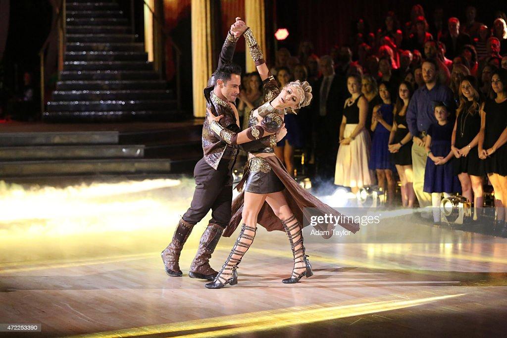 "ABC's ""Dancing With the Stars"" - Season 20 - Week Eight : News Photo"