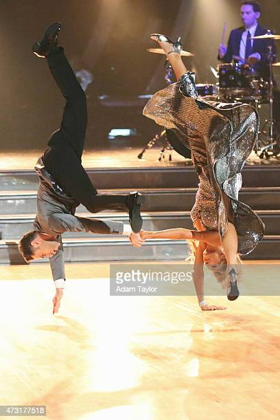 STARS Episode 2009 Four remaining couples advanced to the SEMIFINALS on Dancing with the Stars this MONDAY MAY 11 The competition was neck and neck...