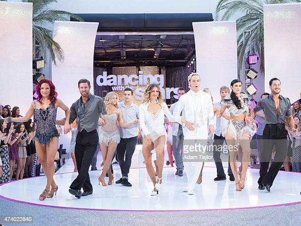STARS Episode 2010A In the twohour Season Finale on TUESDAY MAY 19 the show kicked off with a highenergy opening number featuring a reunion of all 12...