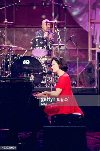 Natalie Merchant of musical guest 10000 Maniacs performs on April 14 1993