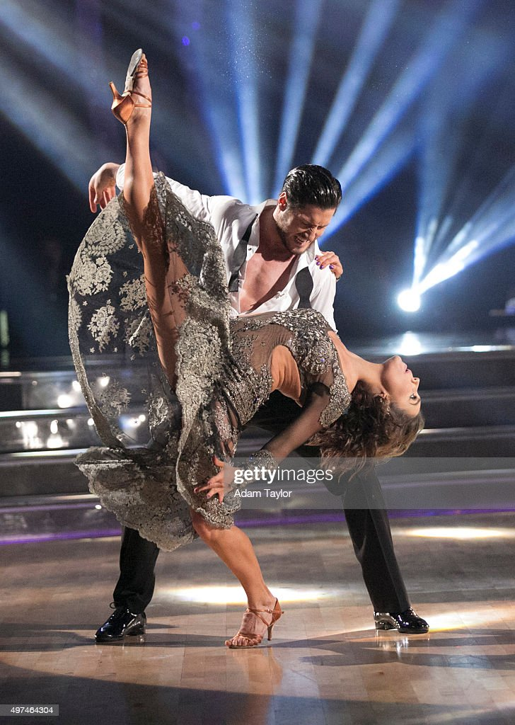"""ABC's """"Dancing With the Stars"""" - Season 21 - The Semi-Finals : News Photo"""