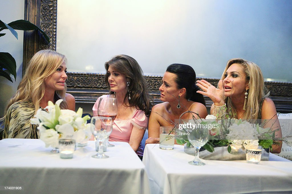 The Real Housewives of Beverly Hills - Season 2 : News Photo