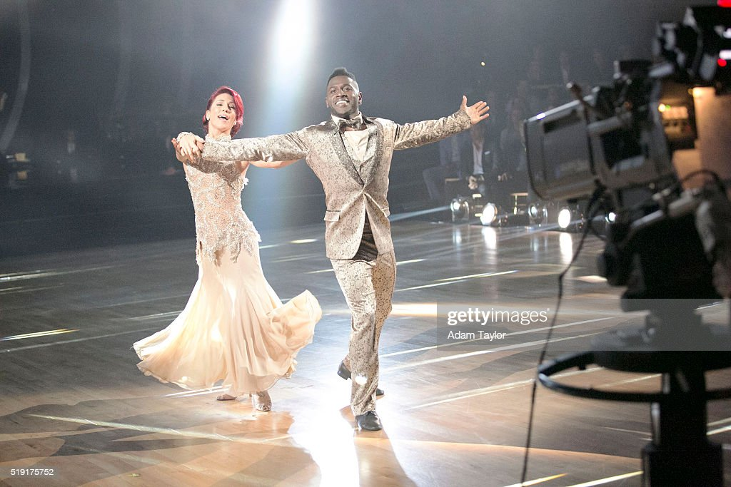 "ABC's ""Dancing With the Stars"": Season 22 - Week Three : News Photo"