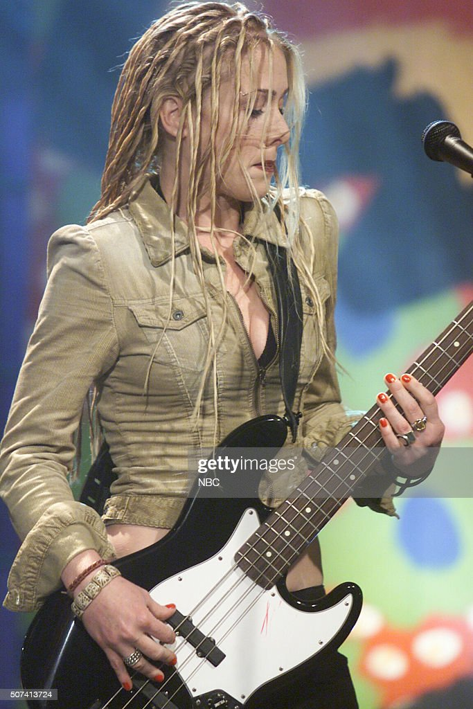 Musician Leah Randi Of Band Abandoned Pools Performs On June 5 2002 News Photo Getty Images