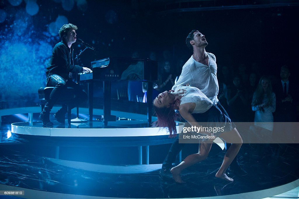 "ABC's ""Dancing With the Stars"": Season 23 - Week Two: The Results : News Photo"