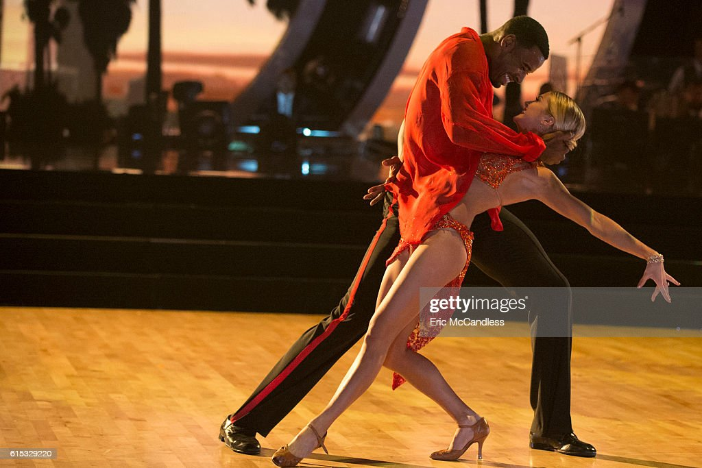 "ABC's ""Dancing With the Stars"": Season 23 - Week Six : News Photo"