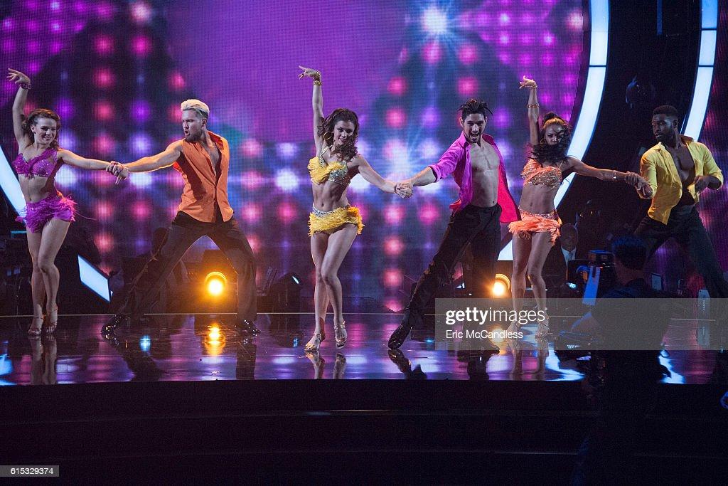 """ABC's """"Dancing With the Stars"""": Season 23 - Week Six : News Photo"""