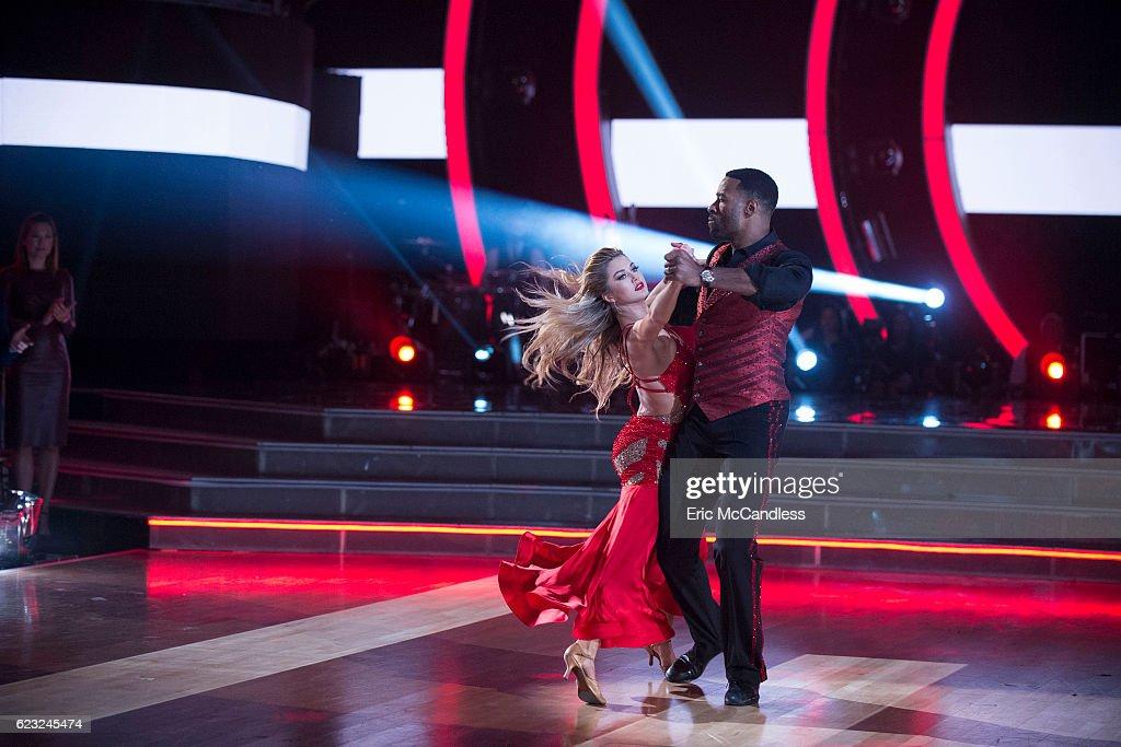 """ABC's """"Dancing With the Stars"""": Season 23 - Week Nine : News Photo"""