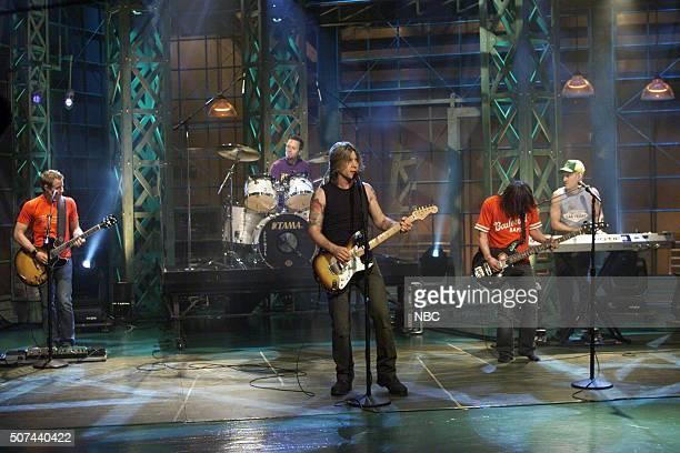 Members of the rock band Goo Goo Dolls perform on September 11 2002
