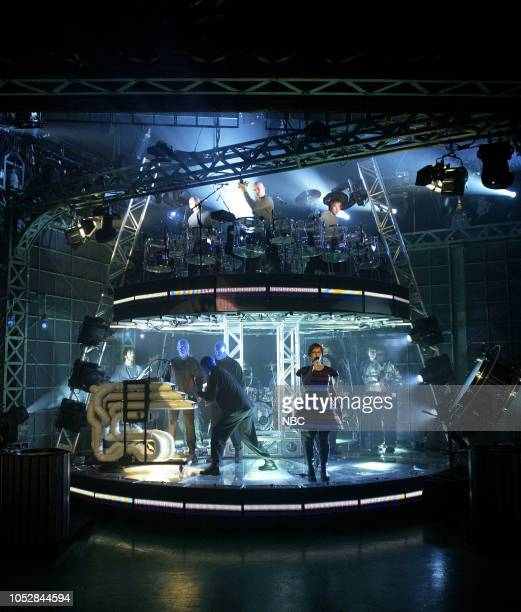 Musical guests Blue Man Group and Annette Strean of 'Venus Hum' perform on April 22 2003