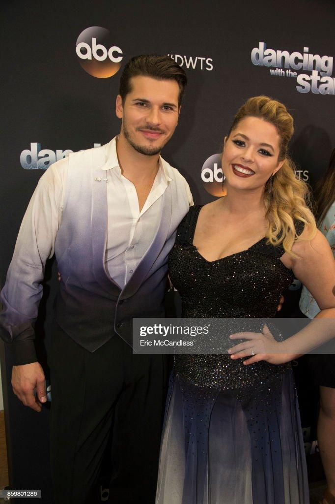 """ABC's """"Dancing With the Stars"""": Season 25 - Week Four : Fotografía de noticias"""