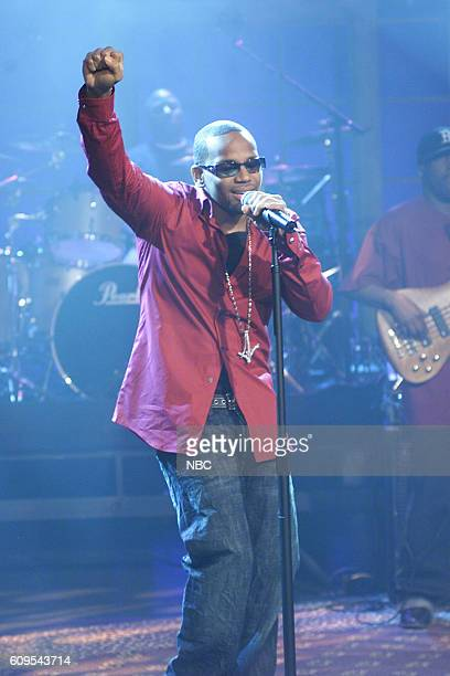 Musical guest Avant performs on January 23 2004