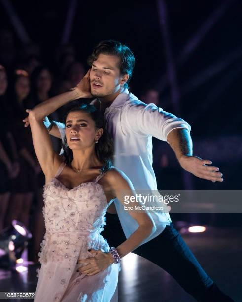 STARS Episode 2707 Country Night Eight remaining couples dance to some of the biggest country music songs during Country Night on Dancing with the...