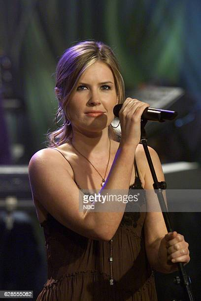 Musical guest Dido performs on May 27 2004