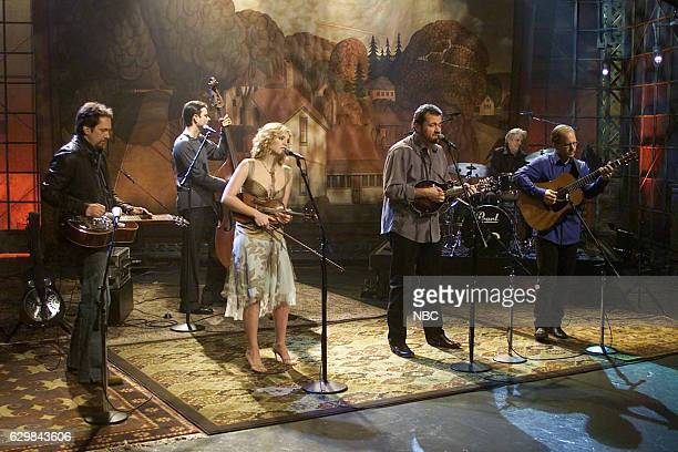 Musicians Jerry Douglas Barry Bales Alison Krauss Dan Tyminski Larry Atamanuik and Rob Block of musical guest Union Station perform on November 24...