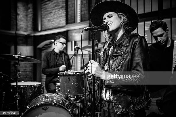 Emily Armstrong from 'Dead Sara' sits in with the 8G Band on November 18 2015
