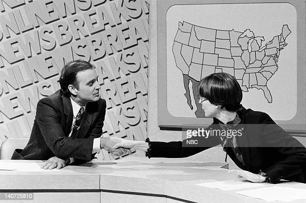 Brian DoyleMurray and Mary Gross during the 'SNL Newsbreak' skit on October 17 1981