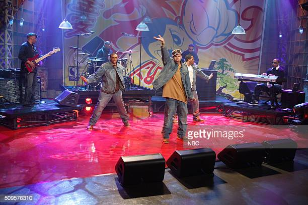 Musical guest Chris Brown performs on December 23 2005