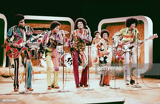 Tito Jackson Marlon jackson Jackie Jackson Randy Jackson Michael Jackson Jermaine Jackson of musical guest The Jackson 5