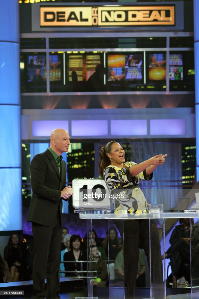 Host Howie Mandel, Contestant Shequila Farrelly -- Photo by: Peter Hopper Stone/NBC/NBCU Photo Bank via Getty Images