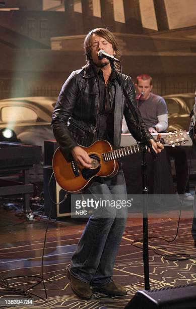 Musical guest Keith Urban performs on October 17 2007