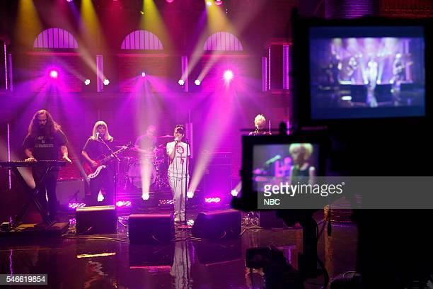 Kenny Mellman Sara LandeauCarmine Corelli Kathleen Hanna Kathi Wilcox of musical guest The Julie Ruin on July 12 2016