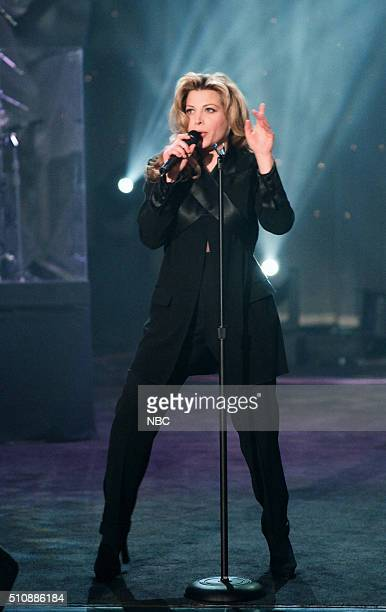 Singer Taylor Dayne performs on February 14 1994