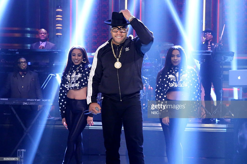 Musical guest Flo Rida performs with The Roots on January 14, 2016 --