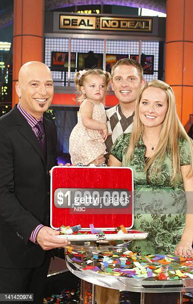 Host Howie Mandel Million Dollar Winner Jessica Robinson with husband Ross and daughter Brooklyn Photo by Trae Patton/NBC/NBCU Photo Bank