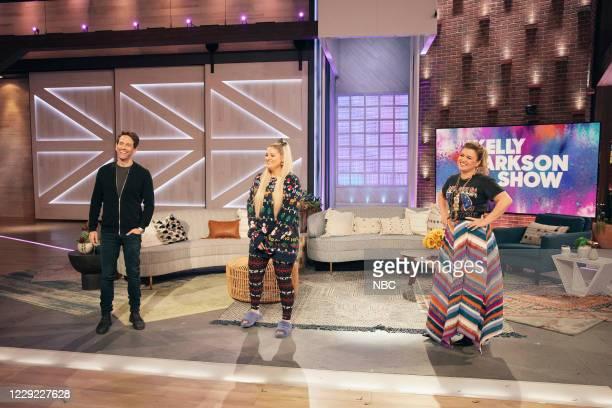 Episode 4039 -- Pictured: Glenn Howerton, Meghan Trainor, Kelly Clarkson --