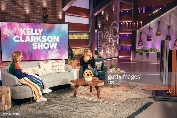 Episode 4049 -- Pictured: Kaley Cuoco, Kelly Clarkson --