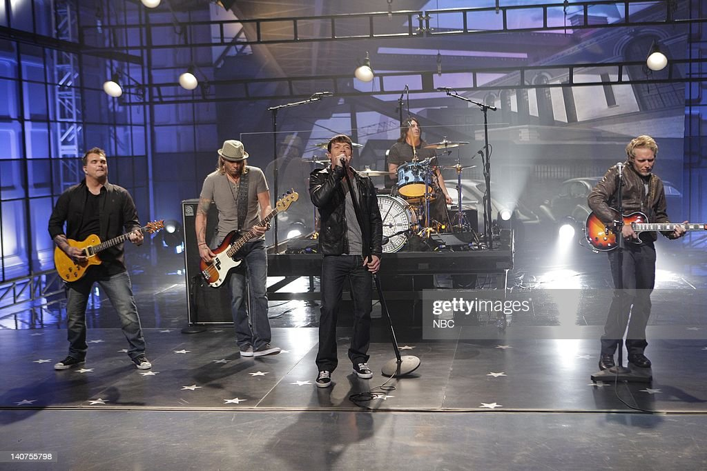 Musical guests 3 Doors Dowwn perform on July 19 2011 -- Photo by & The Tonight Show with Jay Leno Pictures | Getty Images pezcame.com