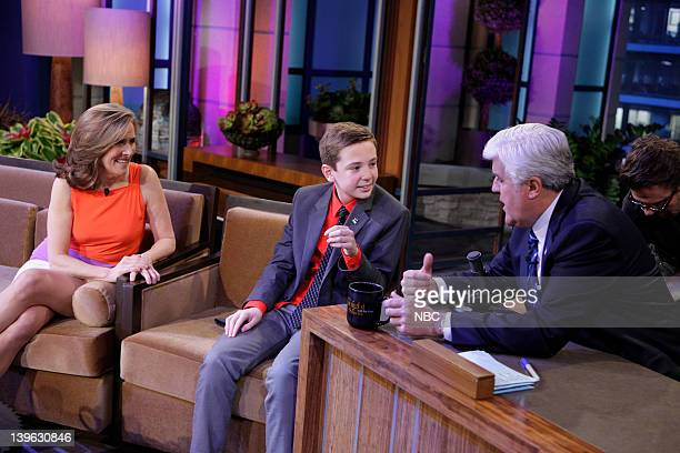 LENO Episode 4205 Pictured TV personality Meredith Vieira Movie critic Jackson Murphy talk to host Jay Leno during a commercial break on February 23...