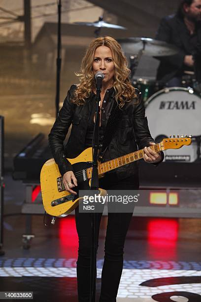 SHOW Episode 45 Air Date Pictured Musical guest Sheryl Crow performs on November 13 2009 Photo by Justin Lubin/NBCU Photo Bank
