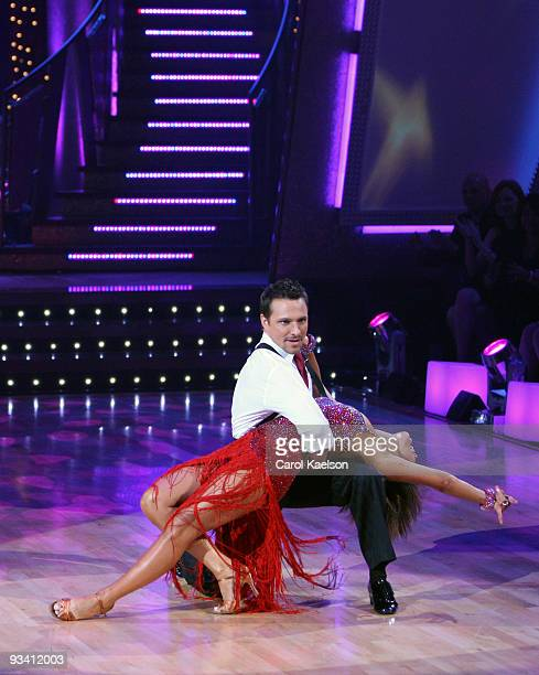 SHOW Episode 504A Season five contestant Wayne Newton returns to the dance floor to perform his legendary hit Danke Schoen accompanied by some of the...