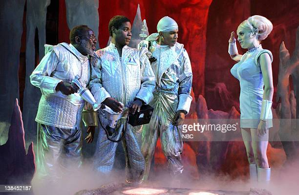 """Episode 6 -- Aired -- Pictured: Garrett Morris, Tracy Morgan as Astronaut Jones, Nelly, Brittany Murphy as Bleebora during """"Astronaut Jones"""" skit on..."""