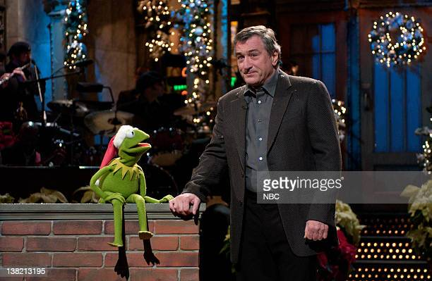 Episode 8 -- Aired -- Pictured: Kermit the Frog, Robert De Niro during the monologue