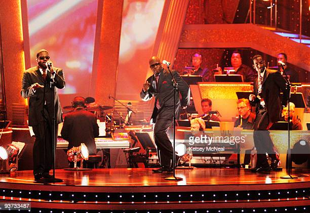 SHOW Episode 804A In a special performance the bestselling Motown act of all time and Grammy¨Award winning group Boyz II Men sang a Motown Medley...