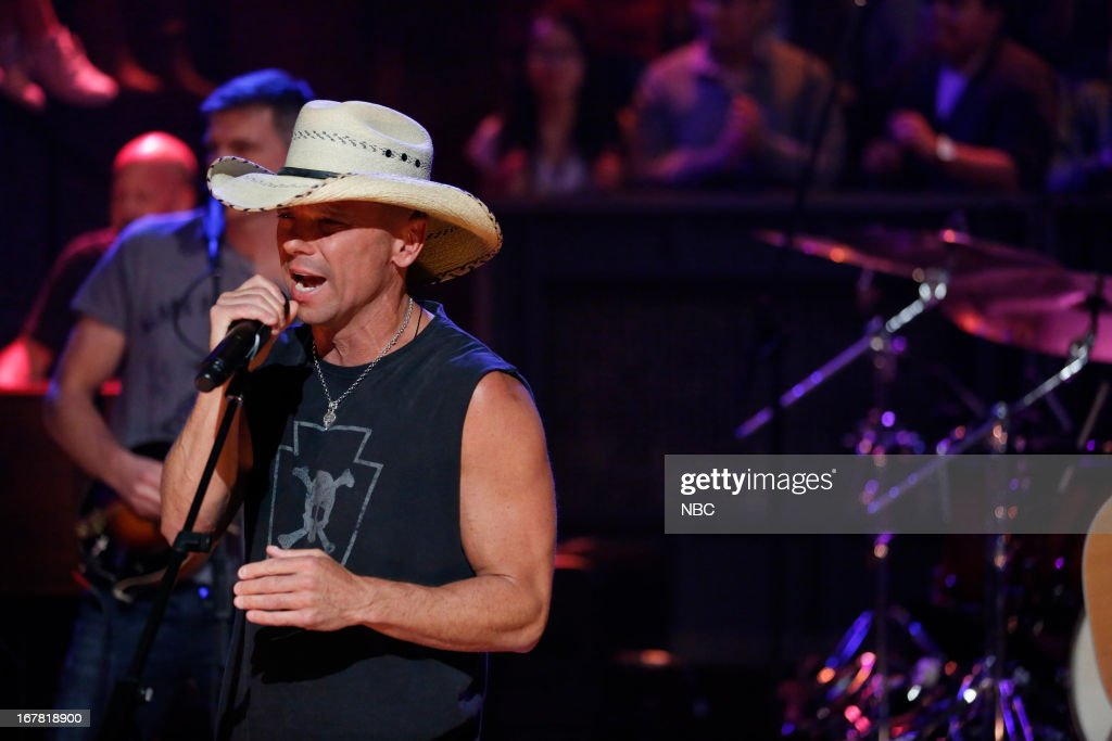 Musical guest Kenny Chesney performs on April 30, 2013 --
