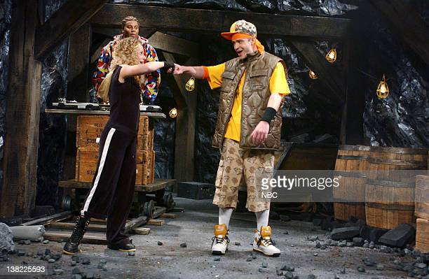 LIVE Episode 9 Aired Pictured Amy poehler as Girliet Justin Timberlake as TreyJ during Hip Hop Kids skit on December 16 2006