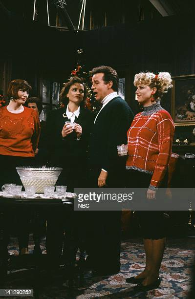 Julia Sweeny Jan Hooks Phil Hartman Victoria Jackson during the 'A Dysfunctional Family Christmas' skit on December 15 1990 Photo by Raymond...