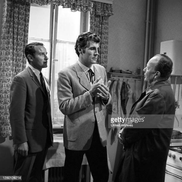 """Episode """"Das Ungeheuer"""" aus der Fernsehserie """"Der Kommissar"""", Deutschland 1969, Regie: Dietrich Haugk, Darsteller: Reinhard Glemnitz , Manfred Spies,..."""