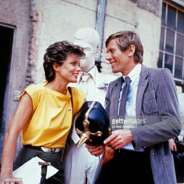 """Episode """"Die spanischen Stunden"""" aus der Fernsehserie """"Unsere schönsten Jahre"""", Deutschland 1985, Regie: Alfred Weidenmann, Darsteller: Uschi Glas,..."""